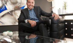 Ernesto Osses. Su empresa acoge jóvenes en prácticas global training.