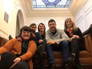 Iñaki Acero, junto a sus compañeras del departamento de Comunicación